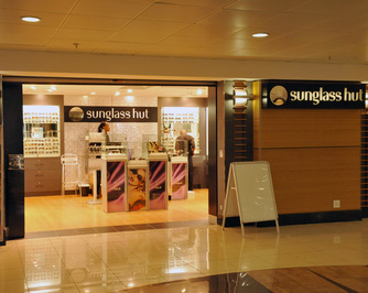 Sunglass Hut (Kiosk)