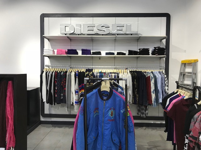 the best attitude a9659 6ecdc Diesel - Outlet Store | Atterbury Value Mart