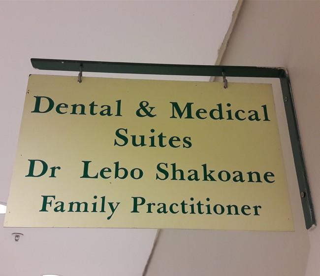 Dr Shakoane