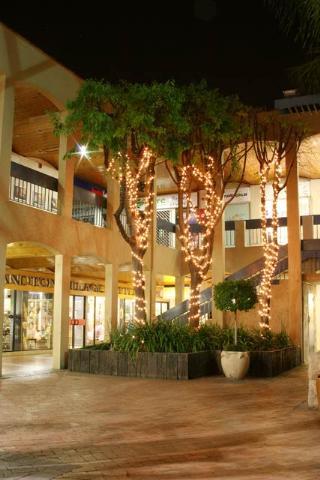 Bryanston Shopping Centre